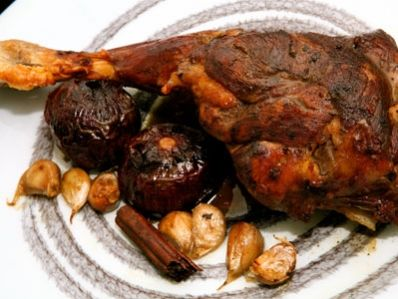 Receta | Fakhdet kharoof (Pierna de cordero asada con especias) - canalcocina.es