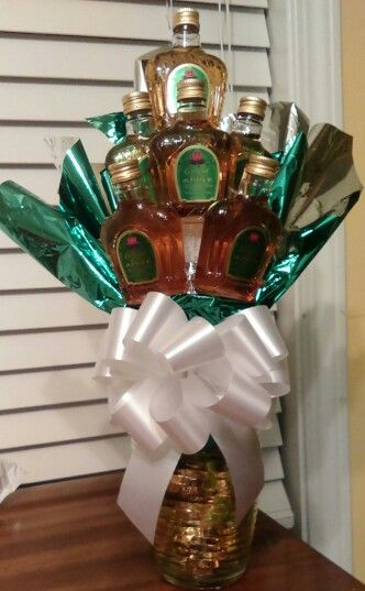 Crown Royal Apple Liquor Bouquet with Caramel Apple Werthers