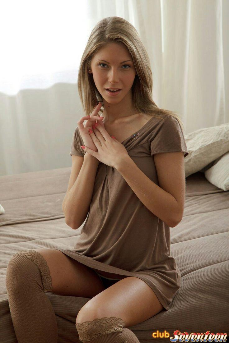 Красивая мама обожает сосать член сынка » Порно инцест