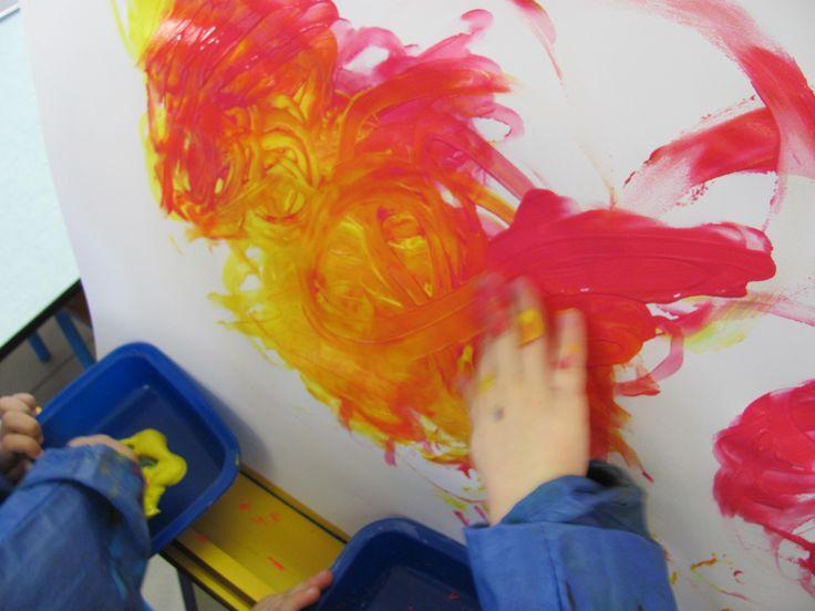 La bataille des couleurs aux doigts th me couleurs for Peinture deux couleurs differentes