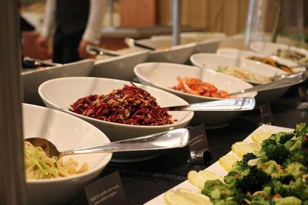 Estes almoços são abertos ao público e acontecem uma vez por mês no restaurante Sete Colinas do Corinthia Hotel.