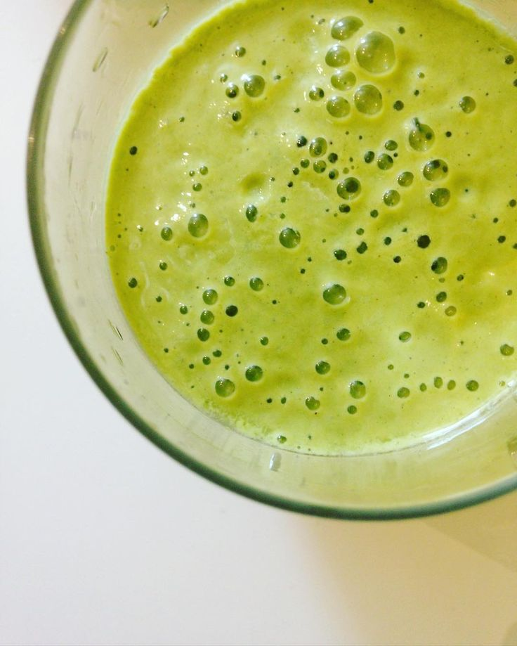 Skip the coffee  this afternoon and reach for something fresh and green like a smoothie.  For the record this (nor do any of my other smoothies) does not taste like guck  It's fresh naturally sweet and smooth!  Also #toddlerapproved  _ #momwin #winning #greensmoothie  #drinkyourgreens #vitamix #smoothie #healthy #recipes #foodblog #instafood #smoothieporn #nomnomnom #lifestyle #fuelyourbody #ownit