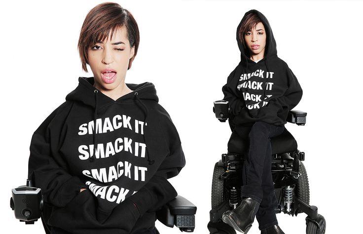 Sufrir de distrofia muscular no es ningún impedimento cuando Jillian Mercado busca hacer realidad sus sueños; y para muestra, se ha convertido en una de las protagonistas de la más reciente campaña de los productos de Beyoncé. ¡Entérate!