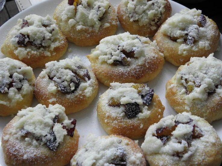 Povidlové koláčky se švestkami  http://www.csdr.cz/?page=recepty/rcpt_profil_enter&idrecept=1443975594
