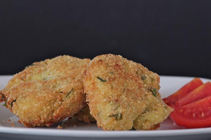 zucchini fritters  ph emiliana borruto