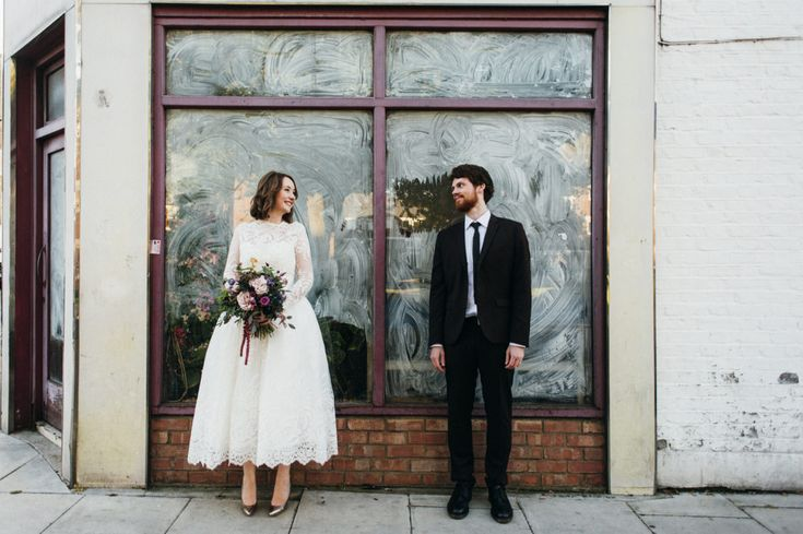 An Autumnal Bouquet for a wedding at the Londesborough pub in Stoke Newington with mismatched bridesmaid dresses and photography by Babb Photo. | Rock My Wedding