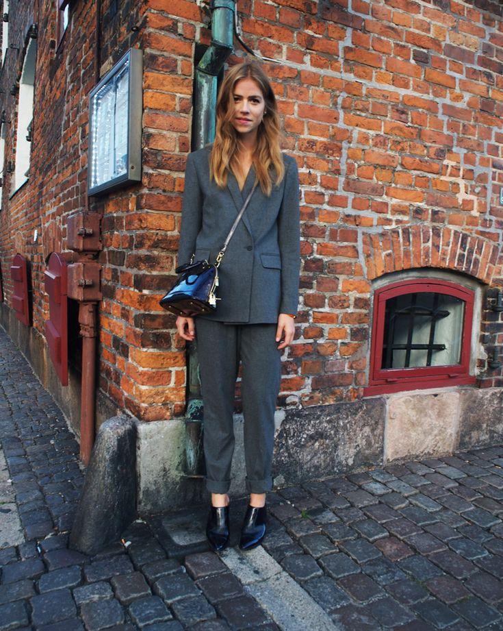 Her kommer så mit outfit fra Zalando Blogger Awards. Jeg havde det her fantastiske jakkesæt på...