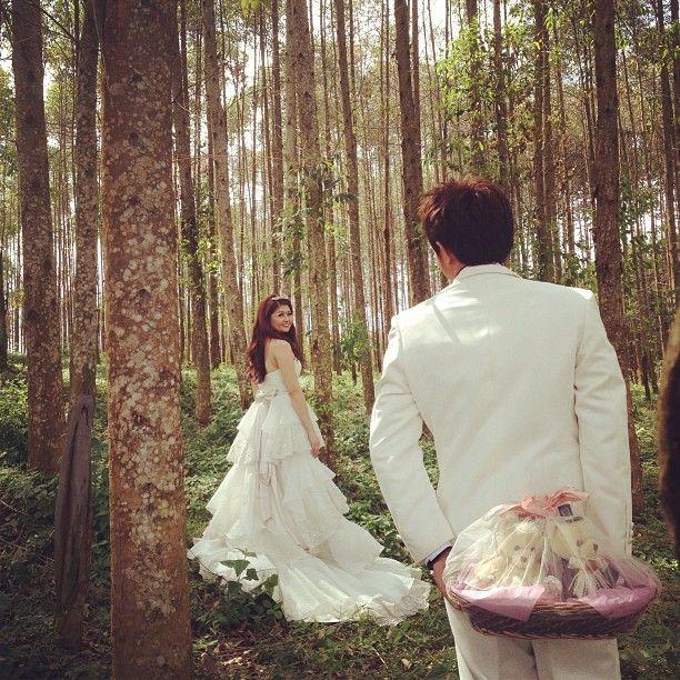 Prewedding photo #forest #surprise