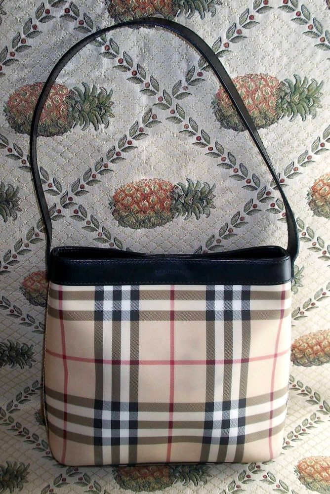 959750182f1 Authentic Burberry Nova Check Small Shoulder Bag Handbag w Black Leather  Detail #BurberryLondon #HandbagSmallShoulderBag