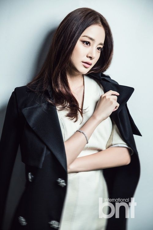 Kim Tae Hee 김태희 International BNT 화보 15p