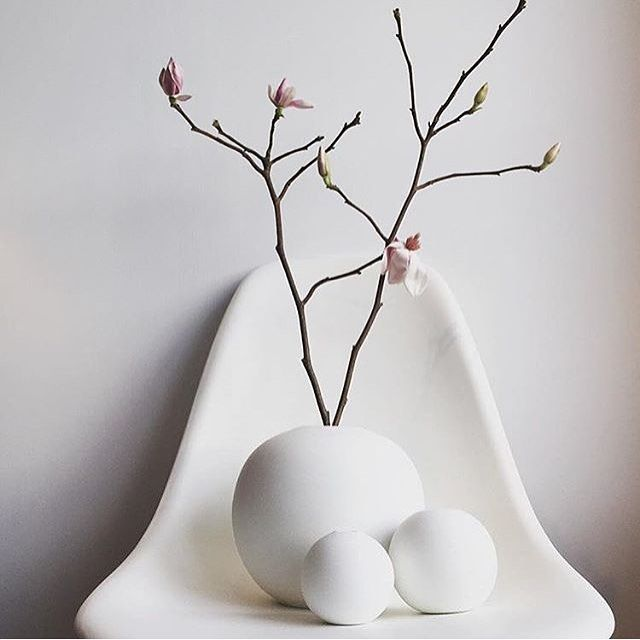 Starting off the week with some soft white curvyness The timeless 'Ball Vases' by @catcooee looks striking paired up with magnolia Have a good start to the week! by scandinavialist