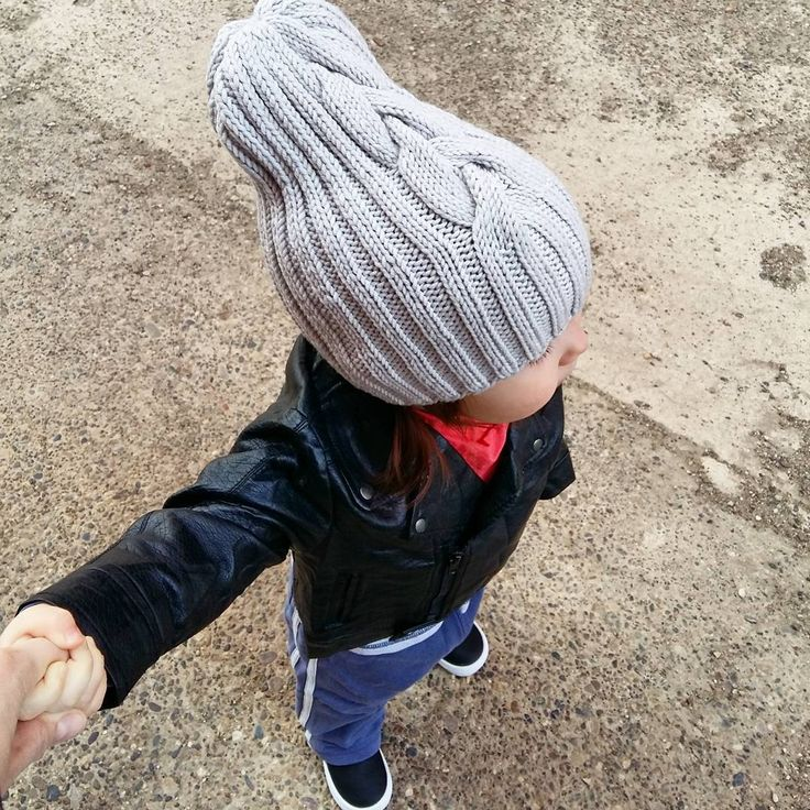 Шапка-тыковка незаменимый аксессуар для наших малявок.В наличии шапка цвета серый жемчуг,  размер 45/50 см, цена 1,5 тыс. руб.