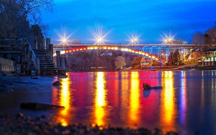Victoria bridge , Hamilton NZ.  #benro #pentax #k5 #sigma #70-200 #longexposure #colour #dynamicrange #surreal #night #bridge #river #lovethetron #newzealand #nzphotographer #middletonjoshua #influencer #instagood #instamood #instadaily #hamilton #hamiltoncentral #hamiltonnz