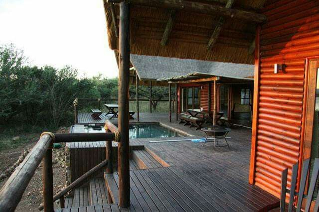 Kujabula Lodge is on the lake shore with its own marina. Consisting of a main lodge with tv lounge and dining area, patio, pool and boma, whilst the lodge boasts 4 separate log chalet bedrooms luxuriously and spaciously designed. Each has its own balcony where you can relax with a book or watch the birdlife.