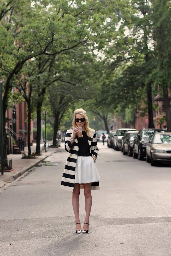 Black and White: Atlantic Pacific, Full Skirts, Holidays Style, Black And White, White Coats, Street Style, Jackets, Black White, White Skirts