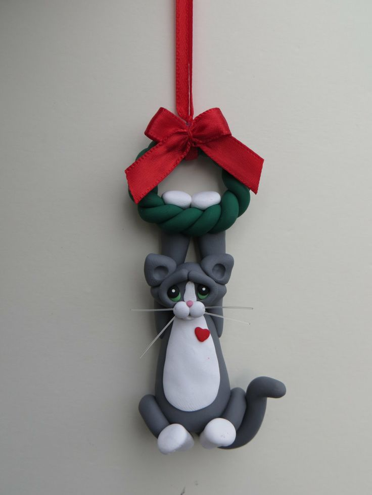 Gray Tuxedo Cat Christmas Ornament Polymer Clay by HeartOfClayGirl. vía @Tienda Decoyarte