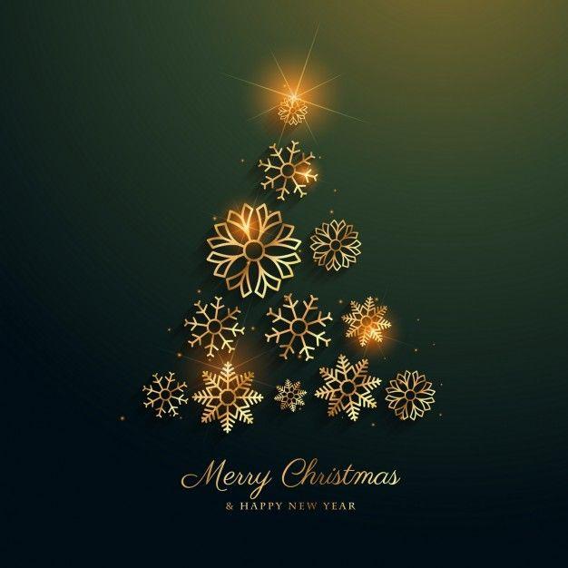 дизайн Рождественская елка с золотой отделкой снежинки Бесплатные векторы