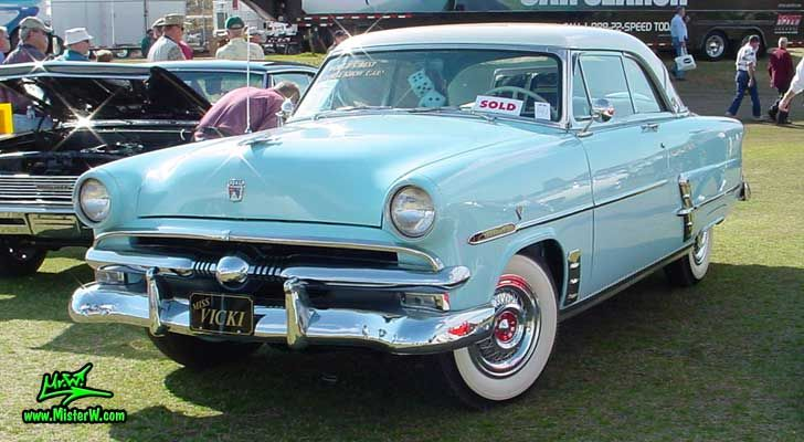 1953 ford crestline victoria coupe coveted cars for 1953 ford crestline victoria 2 door hardtop