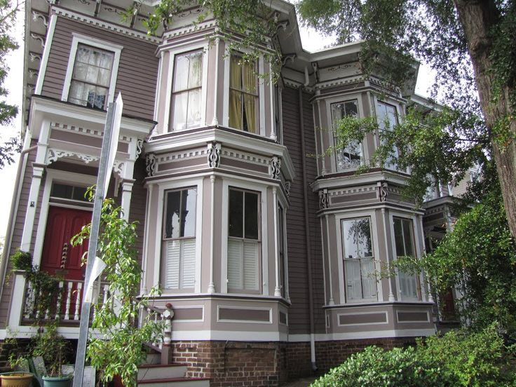 548 best savannah 39 s homes mansions images on pinterest for Historic houses in savannah ga