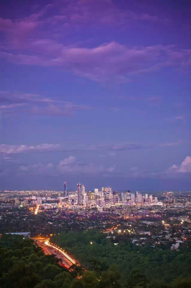 A lovely Brisbane sunset from Mt Cootha.