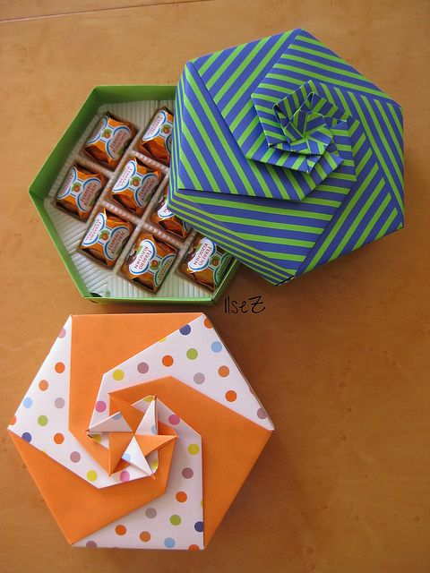 hexagonal origami box, perfect for storing candy!