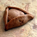 Jack Sparrow's tricorne hat... make of chocolate cookie with a Reese's peanut butter cup in the middle. Oh hell to the yes.