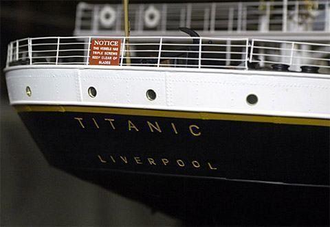 """O desastre do Titanic é lendário, marcou o século 20 fascinando gerações e até hoje ainda arrebata a imaginação de milhões de pessoas! Uma das principais razões para esta fascinação é que o Titanic era supostamente o navio mais seguro do mundo e utilizava a tecnologia mais avançada da época. Era o navio """"inafundável""""! Mas…"""
