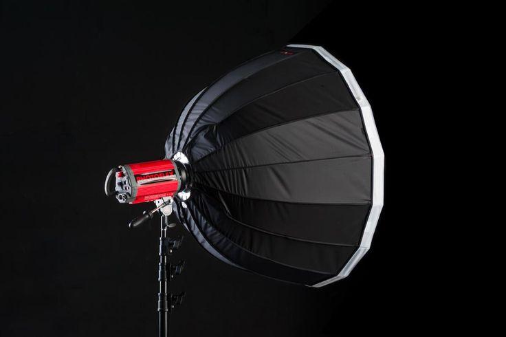 Blackout Studio - Kiralık Fotoğraf Stüdyosu Mecidiyeköy / 90 cm parabolik softbox