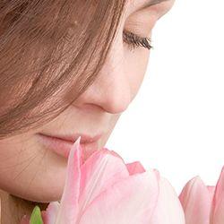 O femeie puternica are sentimente profunde si iubeste fara teama. Lacrimile ei curg cu prisosinta, dar tot astfel ea zambeste. O femeie puternica este in acelasi timp sensibila si autoritara. Ea este rationala si sentimentala. O femeie puternica trebuie pretuita, pentru ca ea este o comoara. La multi ani! http://ofelicitare.ro/felicitari-de-8-martie/o-femeie-puternica-493.html