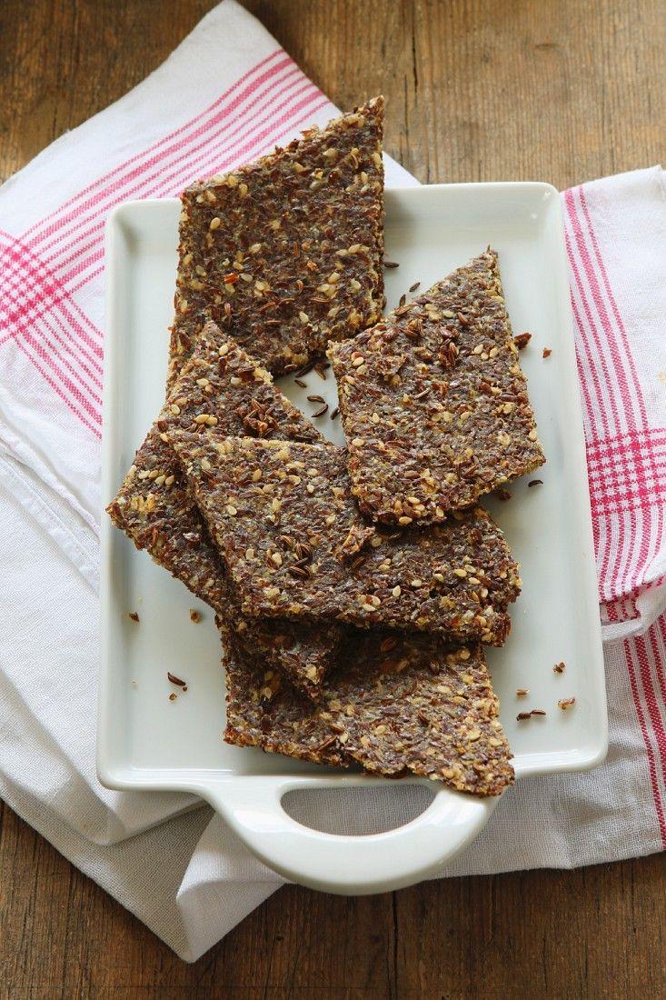 Leinsamen-Brot mit Parmesan | http://eatsmarter.de/rezepte/leinsamen-brot-mit-parmesan