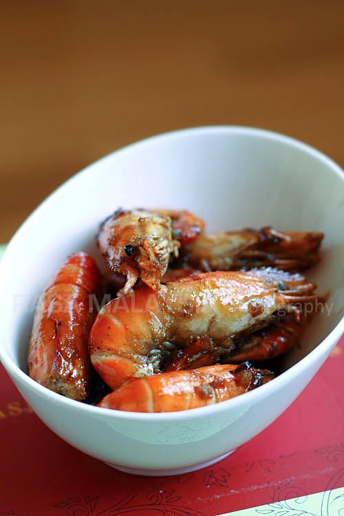 Caramel Shrimp (Vietnamese Tom Rim) - one of the most delicious shrimp dishes ever and the taste is rich and intense—sweet, salty, savory, and extremely umami.