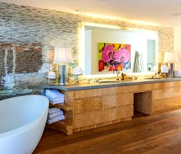 Master bath at Pam Anderson's Malibu beach house, as it looked when it was put on the market in April 2013.