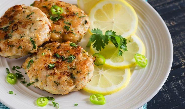 Μπιφτέκια κοτόπουλου με λεμόνι και παρμεζάνα