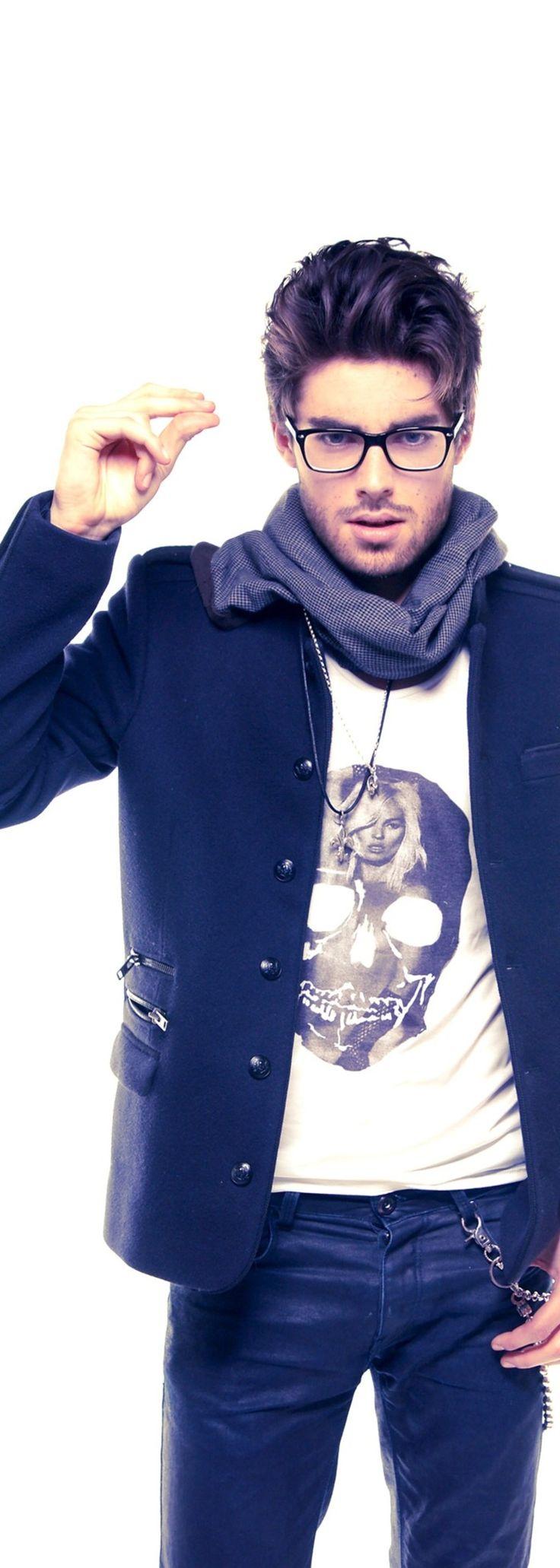 メガネ男子のジャケットTシャツコーデ|TiMEzaFashion-男性ファッション-