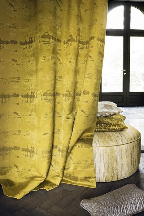 New Collection CHAUMONT by CASAMANCE Chaumont showcases a magnified and stylised nature. The fabrics are given pride of place to create subtle contrasts between matt and shine, like plays of light and shadow that reveal a summer landscape.