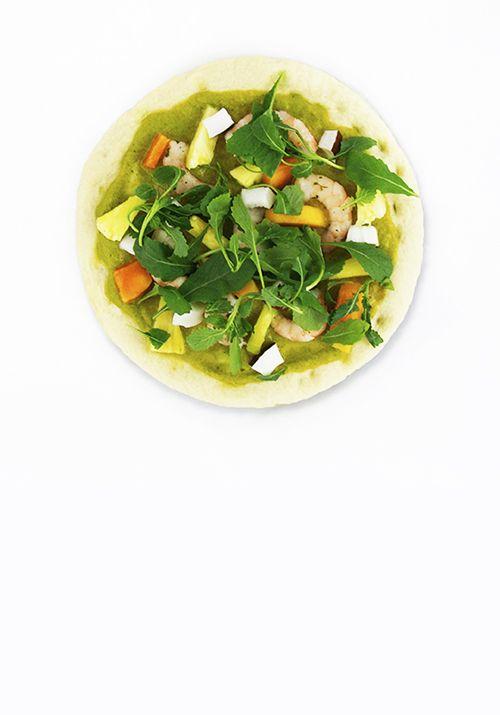 Bloemkoolpizza met groene curry en garnalen