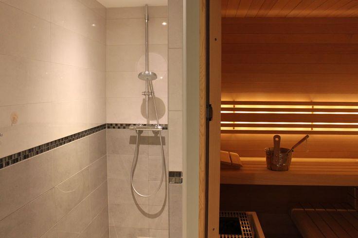 Wellness | Bonace@Bomal  Niets zaligers dan uzelf te koesteren in de warmte van een echteFinse sauna. De warmte van de saunakachel, de geur van het speciale saunahout en een koude douche achteraf zorgen ervoor dat een bezoek aan de Finse sauna een echte wellness belevenis wordt. De sauna geeft ruimte aan 6 personen en een Italiaanse douche is in de sauna-ruimte aanwezig. Vergeet niet uw mediaplayer aan te sluiten om van uw muziek te genieten!