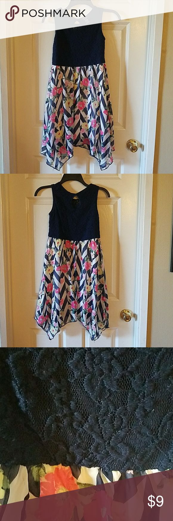 Everything must go! Make your Best Offer!! Sleveless flower dress. Great easter sunday dress. Above the knee. Gently used. pink violet Dresses Formal