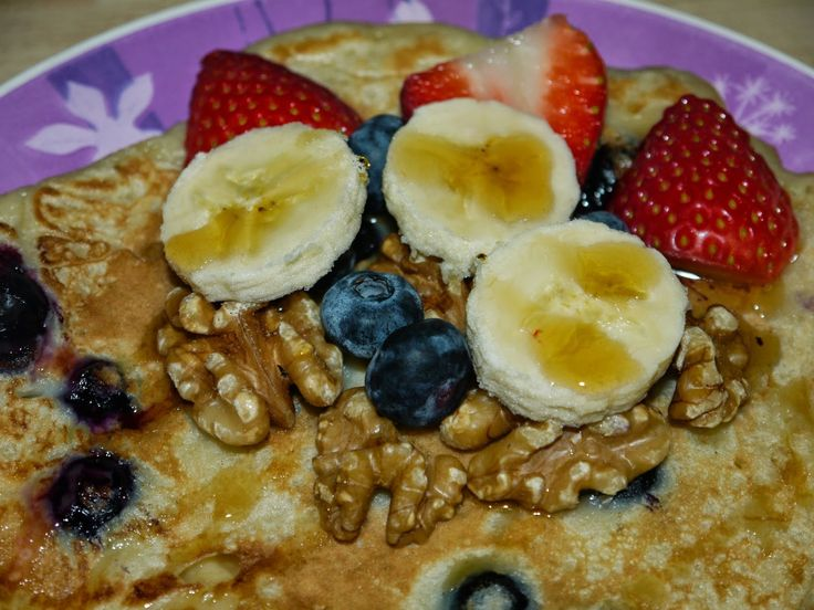 Blueberry and Banana Pancake with Maple Syrup