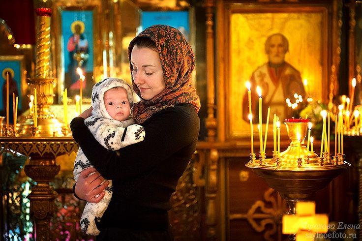 Крещение Елизаветы http://stylnoefoto.ru/fotograf_na_krestiny.htm