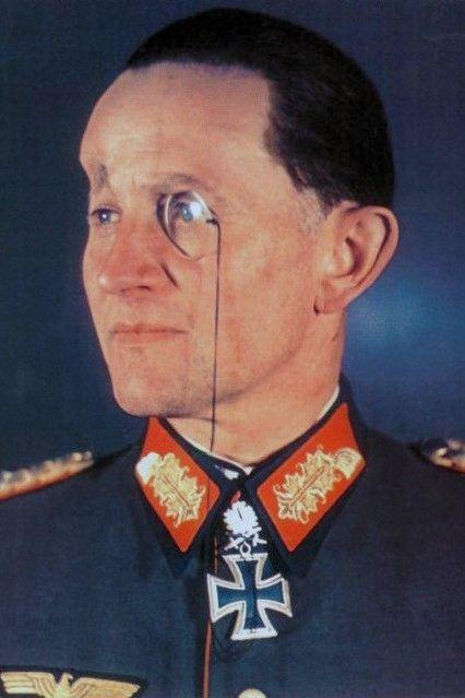 Generalleutnant Dietrich von Saucken (1892-1980), Kommandeur 4. Panzer Division, Ritterkreuz 06.01.1942, Eichenlaub (281) 22.08.1943, Schwerter (46) 31.01.1944, Brillanten (27) 08.05.1945