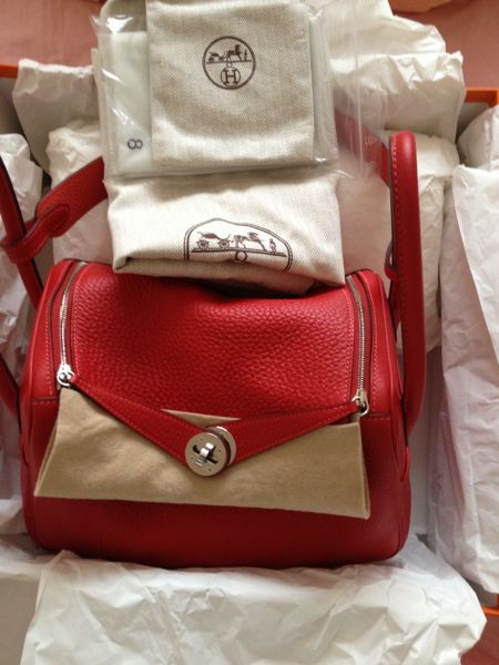 Only 1 day left! Near mint HERMES Lindy 26 in Rouge Casaque and ...
