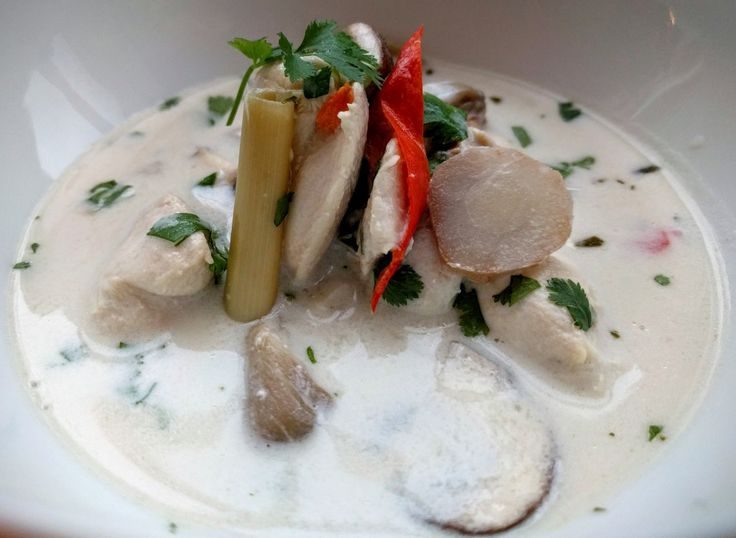 Autentisk men kjempeenkel tom kha gai / Authentic but simple tom kha gai