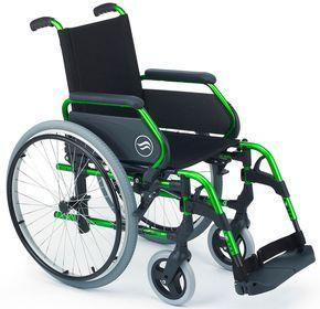 BREEZY 300 Silla plegable de aluminio sunrise medical  BREEZY 300 es la más ligera de las sillas de ruedas manuales BREEZY.  Y no sólo es ligera sino que además ofrece una gran resistencia gracia...