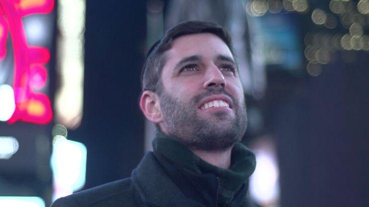 Ari Goldwag - Chanukah Light [Official Video] (Hanukkah Light)
