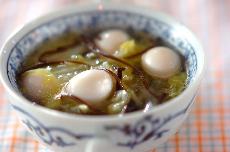 白菜がたっぷり入って、とってもヘルシー。キクラゲの食感がポイント。白菜の中華スープ[中華/スープ]2009.11.09公開のレシピです。