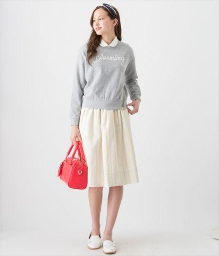 プルオーバーと丸襟のシャツ 、フェミニンスカートと合わせてフェミカジ系タイプのコーデ♡参考にしたいスタイル・ファッション