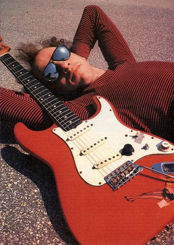 Mark Knopfler of Dire Straits Nobody touches the expressive playing of Mark Knopfler on his Fender Strat!