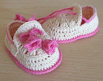 PDF-bestand gehaakt patroon - Baby schoenen zomer klokken (0-6 /6-12 maanden)