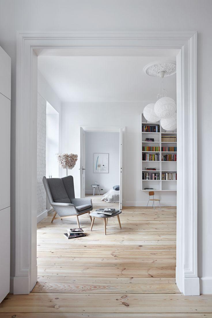 INTERIOR DESIGNER & STYLIST: Agnieszka Suchora / PHOTOGRAPHY & POSTPRODUCTION: Jola Skóra // lampa ceiling lamp: IKEA / floor lamp: BAZUR project of Karina Królak & Patka Smirnow / armchair with footstool: BoConcept / small stool: Modernizm Design / night table in bedroom: Muuto / NAP / transparent: Avocado, proj. T. A. Rudkiewicz / TAR / bedspread and pillow: NAP / painting: Andrzej Dudziński